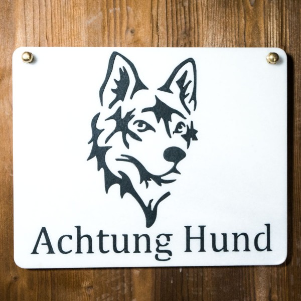 Schild Achtung Hund aus Marmor und Schiefer
